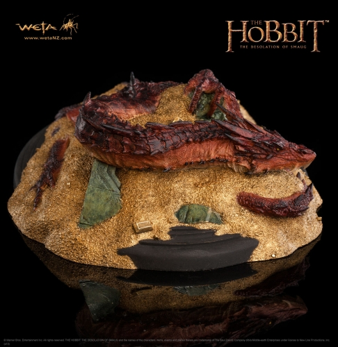 Smaug - King under the Mountain Statue